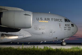04-4132 - USA - Air Force Boeing C-17A Globemaster III