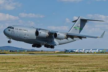 02-1105 - USA - Air Force Boeing C-17A Globemaster III