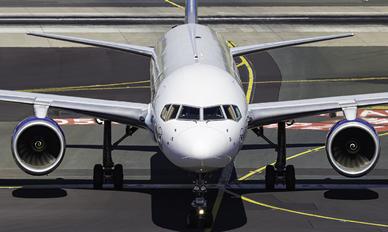 D-ABOI - Condor Boeing 757-300