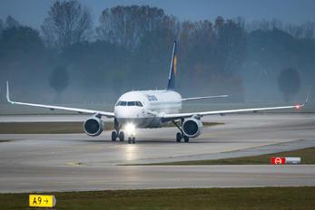 D-AIUGA - Lufthansa Airbus A320
