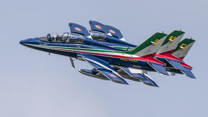"1 - Italy - Air Force ""Frecce Tricolori"" Aermacchi MB-339-A/PAN"