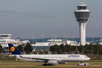 D-AIKS - Lufthansa Airbus A330-300