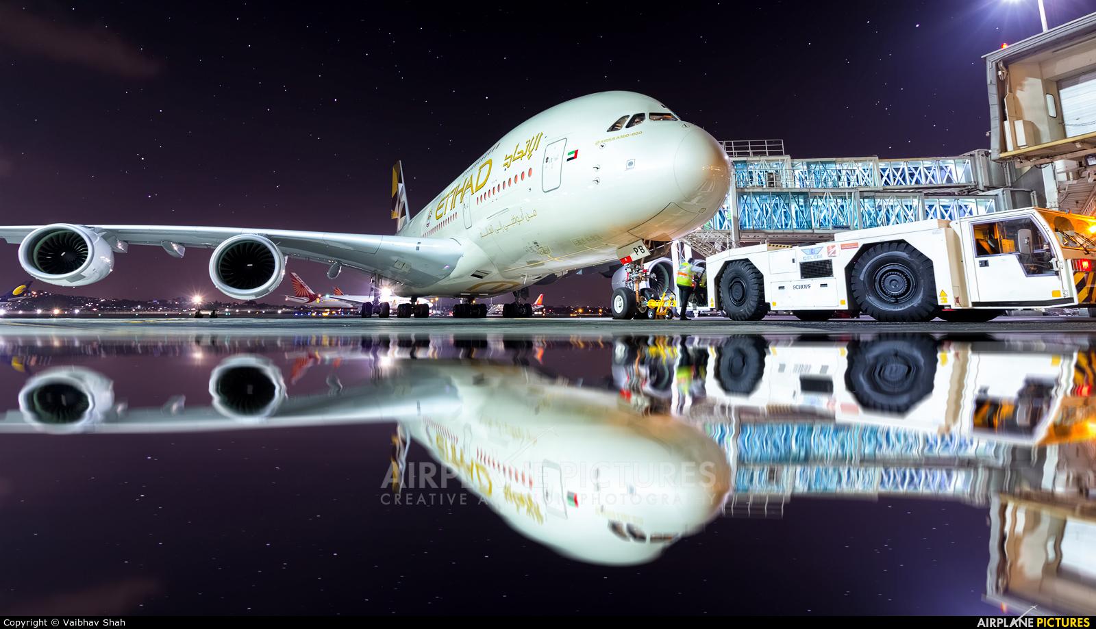Etihad Airways A6-APB aircraft at Mumbai - Chhatrapati Shivaji Intl