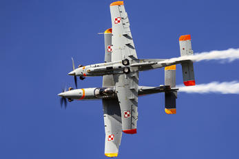 "051 - Poland - Air Force ""Orlik Acrobatic Group"" PZL 130 Orlik TC-1 / 2"