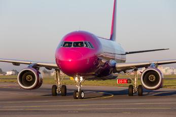 HA-LWX - Wizz Air Airbus A320