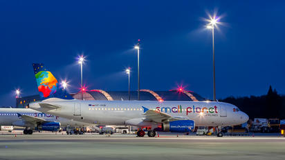 SP-HAB - Small Planet Airlines Airbus A320