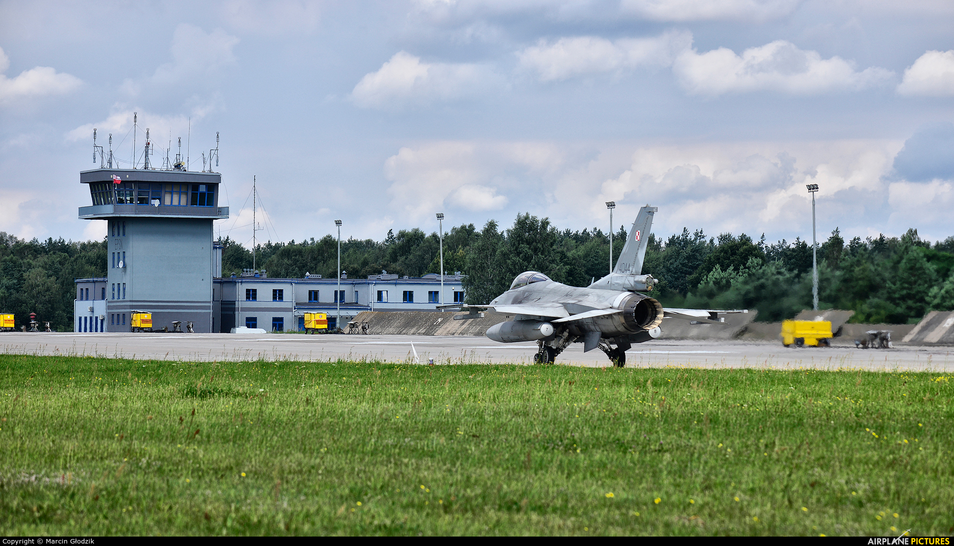 - Airport Overview EPSN aircraft at Świdwin