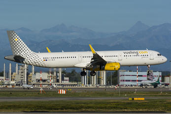 EC-MLD - Vueling Airlines Airbus A321