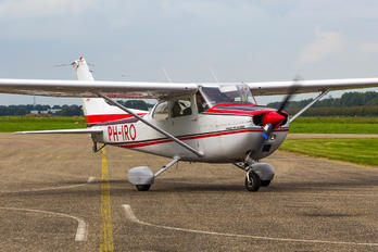 PH-IRO - Special Air Services Cessna 172 Skyhawk (all models except RG)