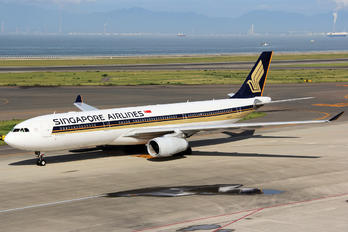 9V-STT - Singapore Airlines Airbus A330-300