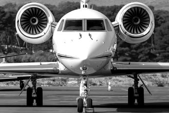 - - Private Gulfstream Aerospace G-V, G-V-SP, G500, G550