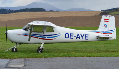 OE-AYE - Private Cessna 150