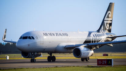 ZK-OXH - Air New Zealand Airbus A320
