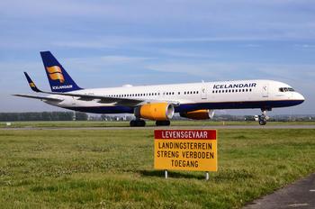 TF-ISL - Icelandair Boeing 757-200WL