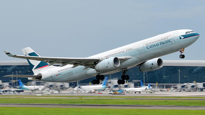 B-LAC - Cathay Pacific Airbus A330-300