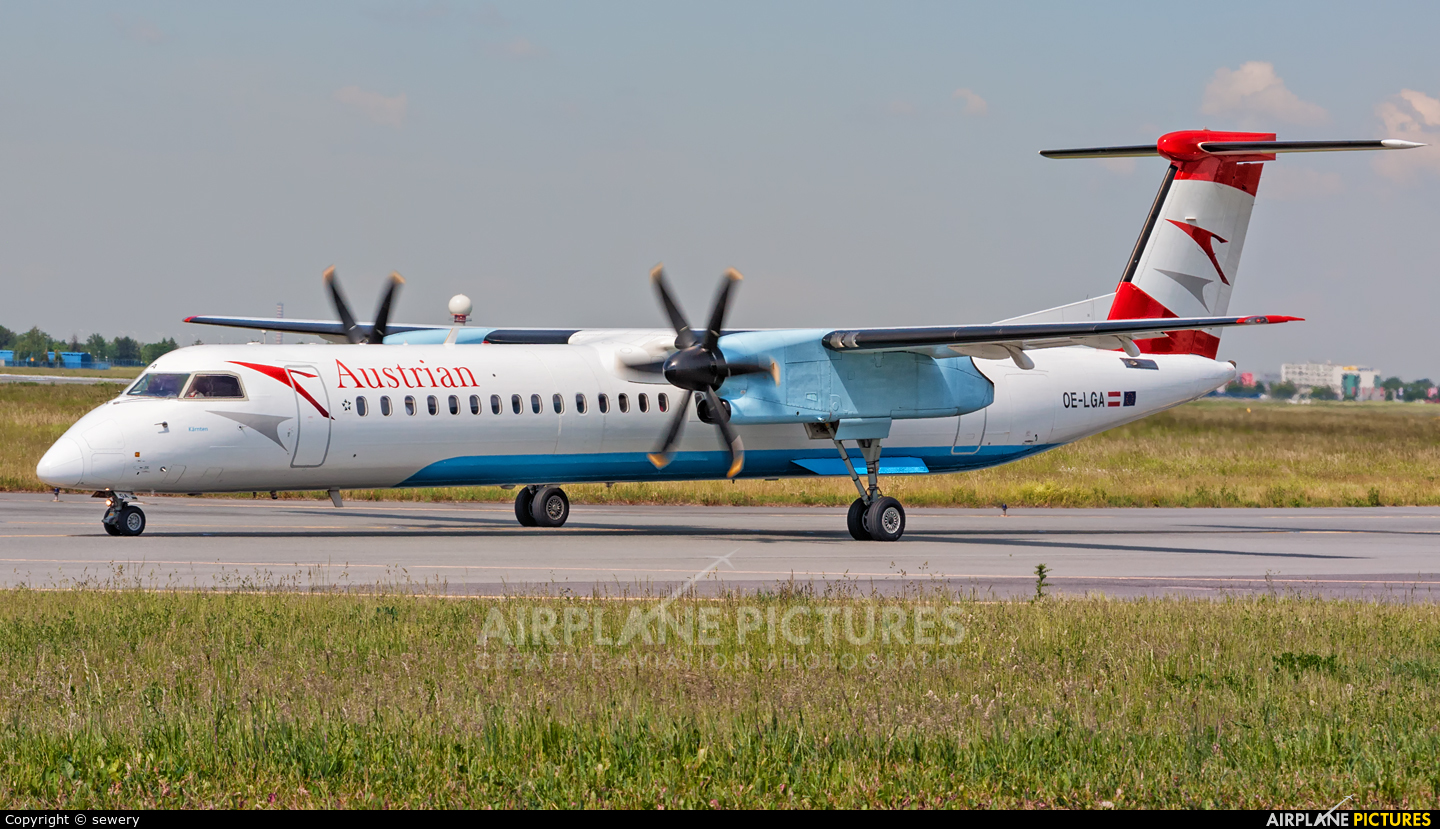 Austrian Airlines/Arrows/Tyrolean OE-LGA aircraft at Warsaw - Frederic Chopin