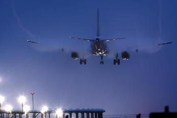 D-AIDX - Lufthansa Airbus A321