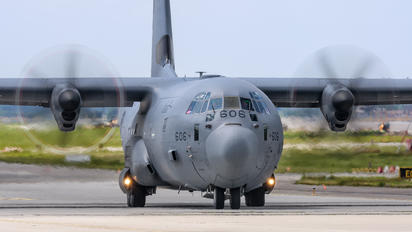 130606 - Canada - Air Force Lockheed CC-130J Hercules