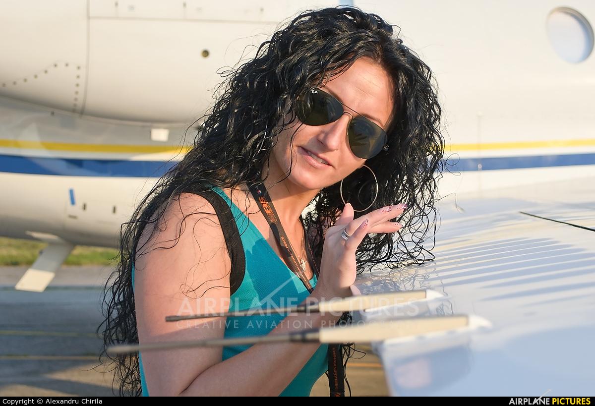 - Aviation Glamour - aircraft at Satu-Mare