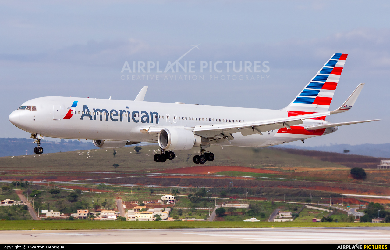 American Airlines N382AN aircraft at Belo Horizonte - Tancredo Neves