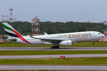 A6-EAQ - Emirates Airlines Airbus A330-200