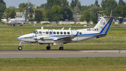 UR-CWB - Ukraine - UkSATSE Beechcraft 300 King Air 350