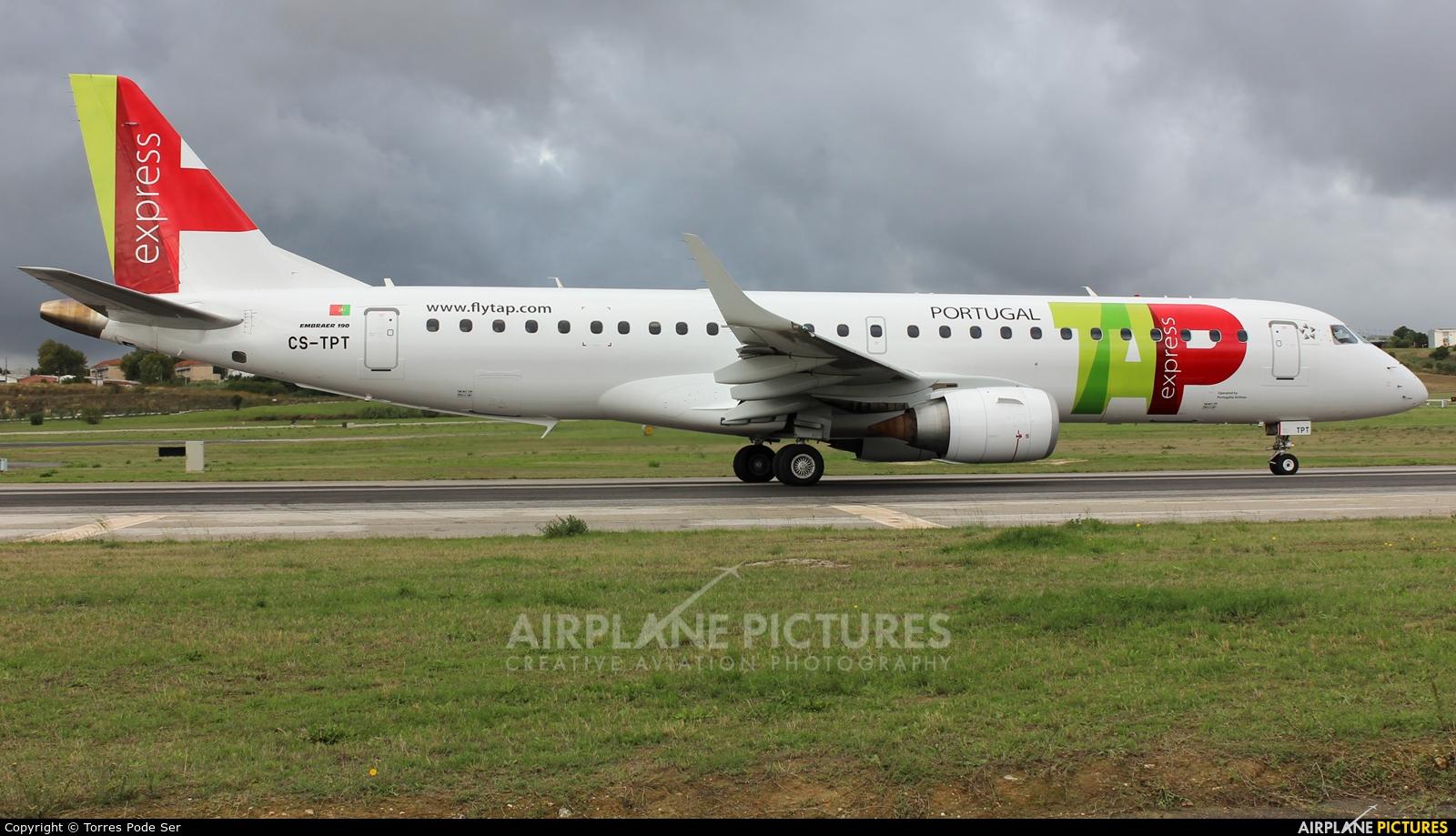 TAP Express CS-TPT aircraft at Lisbon