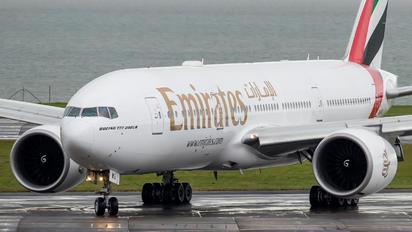 A6-EWG - Emirates Airlines Boeing 777-200LR