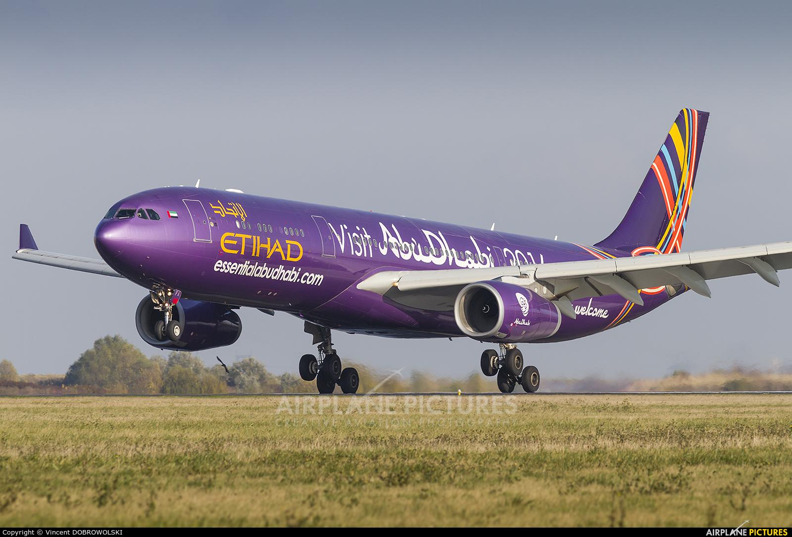 Etihad Airways A6-AFA aircraft at Paris - Charles de Gaulle