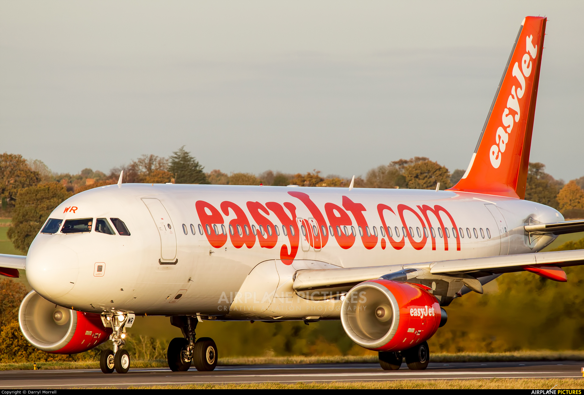 easyJet G-EZWR aircraft at London - Luton