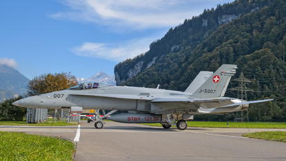 J-5007 - Switzerland - Air Force McDonnell Douglas F/A-18C Hornet
