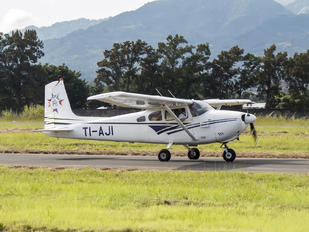 TI-AJI - Private Cessna 182 Skylane (all models except RG)