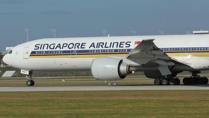 9V-SWK - Singapore Airlines Boeing 777-300ER