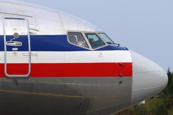 N868NN - American Airlines Boeing 737-800