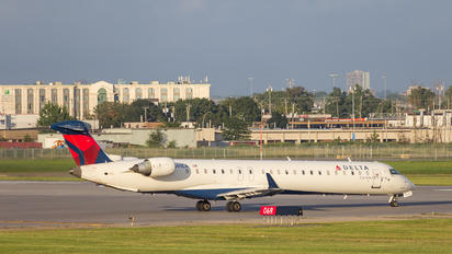 N691CA - Delta Connection - Express Jet Airlines Bombardier CRJ 900ER