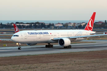 TC-JJE - Turkish Airlines Boeing 777-300ER