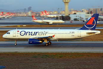 TC-OBN - Onur Air Airbus A320