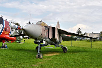 117 - Poland - Air Force Mikoyan-Gurevich MiG-23MF