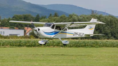 OM-VLD - Private Cessna 172 Skyhawk (all models except RG)