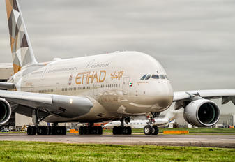 A6-APC - Etihad Airways Airbus A380