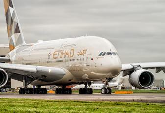 A6-APC - Etihad Airways Airbus A380