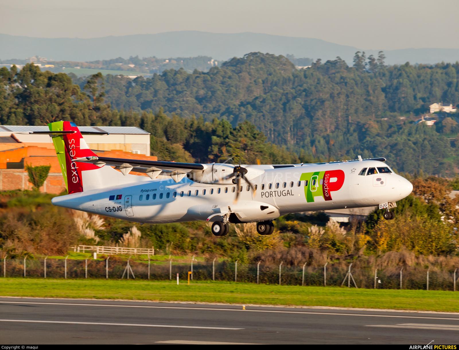 TAP Express CS-DJG aircraft at La Coruña