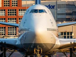 D-ABTL - Lufthansa Boeing 747-400
