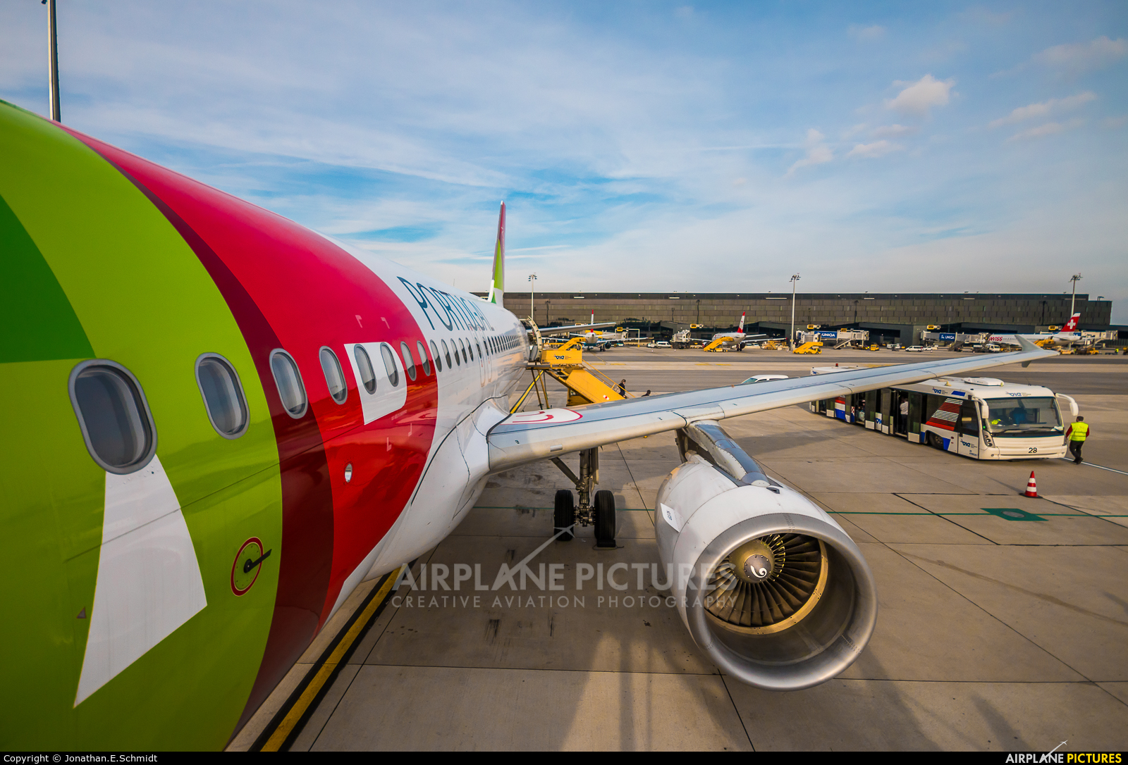 TAP Portugal CS-TMW aircraft at Vienna - Schwechat