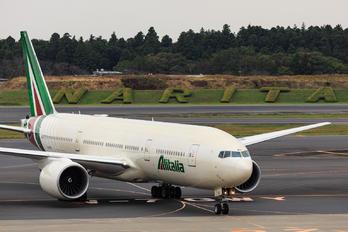 I-DISU - Alitalia Boeing 777-200