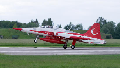 70-3004 - Turkey - Air Force : Turkish Stars Canadair NF-5A