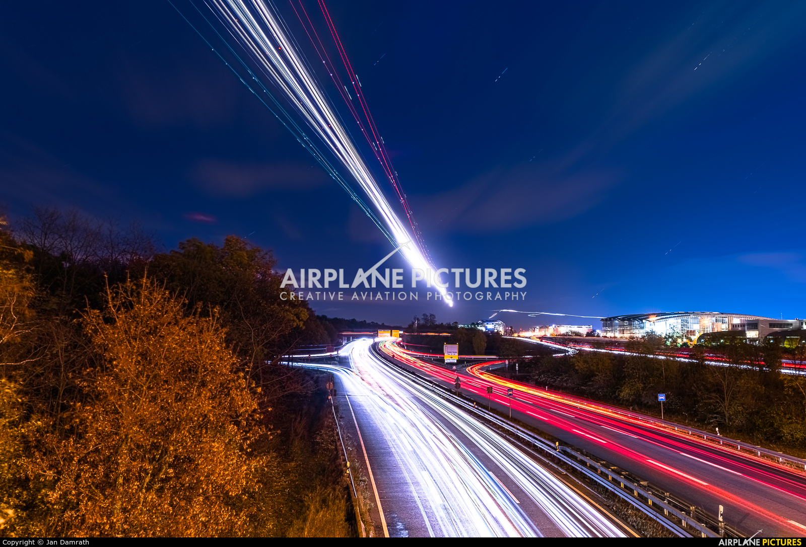 - Airport Overview EDDF aircraft at Frankfurt