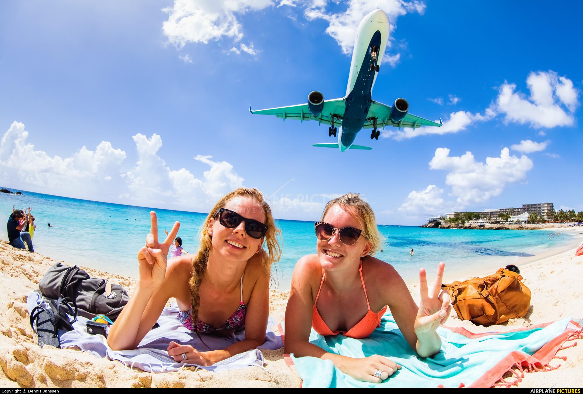 Delta Air Lines N675DL aircraft at Sint Maarten - Princess Juliana Intl