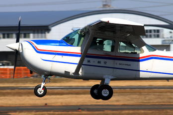 JA3949 - First Flying Cessna 172 Skyhawk (all models except RG)