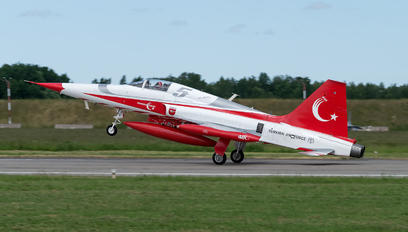 71-3048 - Turkey - Air Force : Turkish Stars Canadair NF-5A